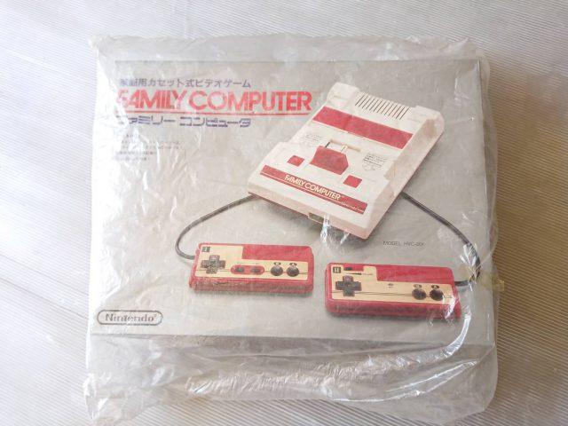 ファミリーコンピュータ(ファミコン)当時物ほぼ新品